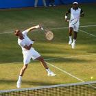 Wimbledon: Paes-Nestor advance; Raja-Martin exit