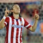 Transfer Buzz: Filipe Luis rejoins Atletico from Chelsea