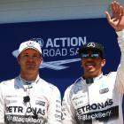 'Hamilton and Rosberg feeling the pressure'