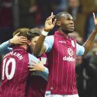 EPL PHTOS: Benteke penalty hands Sherwood first Villa win