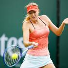 Sharapova eases past Makarova into Stuttgart quarters