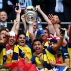 Arsenal rout Villa in final to claim FA Cup record