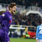 Chelsea sign defender Alonso from Fiorentina