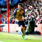 Arsenal back in EPL title race with win at Bournemouth