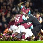 FA Cup: Late Ogbonna goal sees West Ham knock out Liverpool