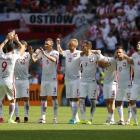 Euro 2016: Poland sink Switzerland on penalties to reach quarters