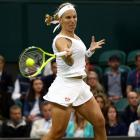 PHOTOS: Kuznetsova dumps out Wozniacki, Serena and Murray advance