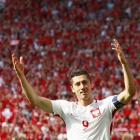 Euro 2016: Lewandowski takes on less glamorous role for Poland