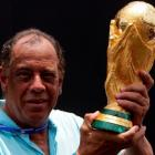 Brazilian football great Carlos Alberto Torres dies