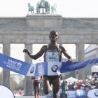 Berlin marathon: Bekele wins in near record time