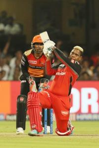 Williamson on song but Hetmyer leaves Sunrisers sweating