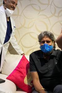 Kapil Dev, Pele get vaccinated
