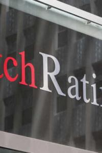 <p>LIVE! Fitch keeps India's sovereign rating at 'BBB-' with stable outlook </p><br><p>'Toxic' declared Oxford Word of the Year</p><br><p>Rupee rallies to two-month high, closes below 72-mark</p>