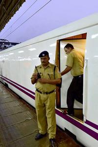 High-speed Talgo reaches Mumbai 3 hours late!