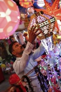 DeMo: Diwali sparkle missing for wholesale traders