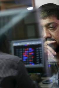 Stocks retreat on global rout, Sensex tanks 407 points