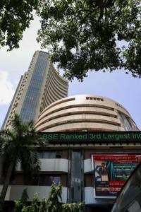 Sensex shrugs off FDI reforms, eyes Q3 results