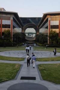 Infy loses ex-CFO Rajiv Bansal's severance package case
