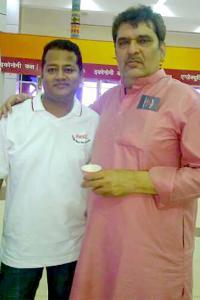 Spotted: Actor Raja Murad at Pune airport