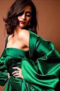 Think Sonam looks hot? VOTE!