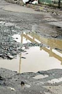Bombay HC slams BMC over potholes