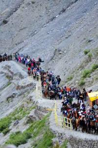 <p>LIVE! Seven-tier security as Amarnath yatra begins </p><br><p>Mukesh Ambani keeps annual salary unchanged at Rs 15 cr</p><br><p>The Gujarat brand of established fear now haunts India </p>