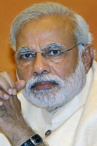<p>LIVE! 'Nero fiddled while Rome burned': Congress on PM Modi vis-a-vis note ban</p><br><p>Banks informally told to not accept more than Rs 2.5 lakh deposit per transaction</p><br><p>Centre announces sops for people paying in digital mode</p>