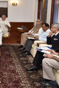 <p>LIVE! PM reviews Indus Water Treaty, India holds its breath</p><br><p>Don�t ignore tsunami from South China Sea</p><br><p>Don't hear Karnataka's plea till it releases water, TN tells SC</p>