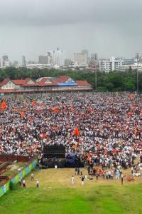 Marathas hit Mumbai roads for mega march over quotas