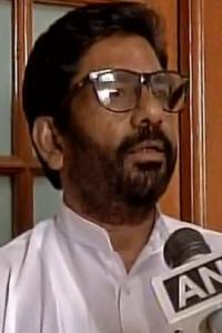 <p>LIVE! Air India cancels Sena MP Gaikwad's ticket AGAIN!</p><br><p>Pellet guns will be used, govt tells Parliament </p><br><p>Women should not enter places of worship during menstruation: Congress leader</p>