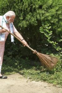 PHOTOS: Netas pick up broom for Swachhata Hi Seva initiative