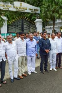 Bypolls to 15 seats in K'taka puts Cong-JDS rebels in a fix