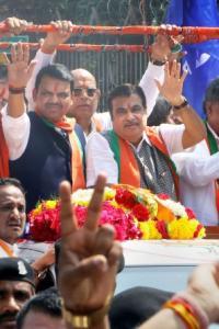 Fadnavis files nomination for Maharashtra polls