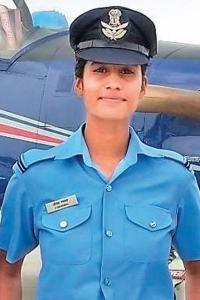 Tea seller's daughter flies high, becomes IAF officer