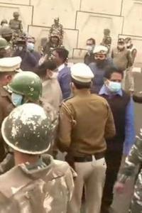 Oppn MPs not allowed to reach Ghazipur farmer protest site