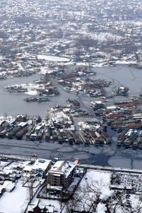Kashmir turns white after fresh snowfall