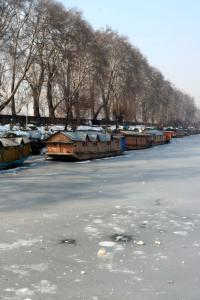 At -8.4, Srinagar records coldest night in 30 years