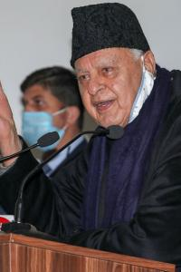 Can't even kiss my wife because of pandemic: Farooq Abdullah