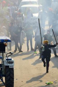 BJP MLA blames Sonia, Rahul for violence during tractor parade, Cong hits back