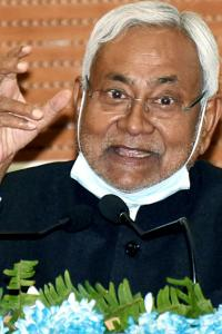 Nitish chuckles over demand for Bharat Ratna to Sonia