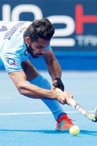 Dominant India pummel Pakistan 4-0, enter Asia Cup final