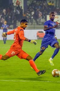 ISL: Struggling Mumbai, Kerala in 1-1 draw