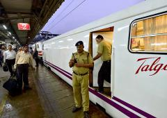 High-speed Talgo reaches Mumbai 3 hours late!