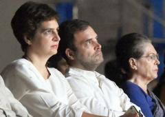 Sonia, Rahul, Priyanka set to lose airport privilege