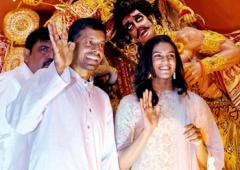 PV Sindhu mesmerised by Durga Puja festivities