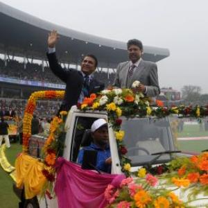 Photos: Kolkata felicitates former India, Pak greats