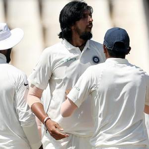 Bowlers keep India in the hunt; SA 230-7 at tea