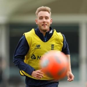 England pacer Broad aiming to return for India Tests