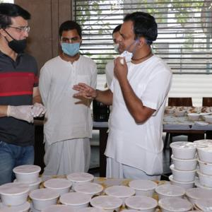Ganguly helps ISKCON feed 10,000 more people daily
