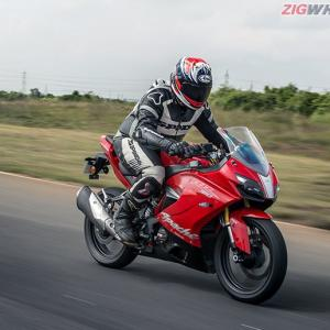 TVS Apache RR310: Absolutely stunning!